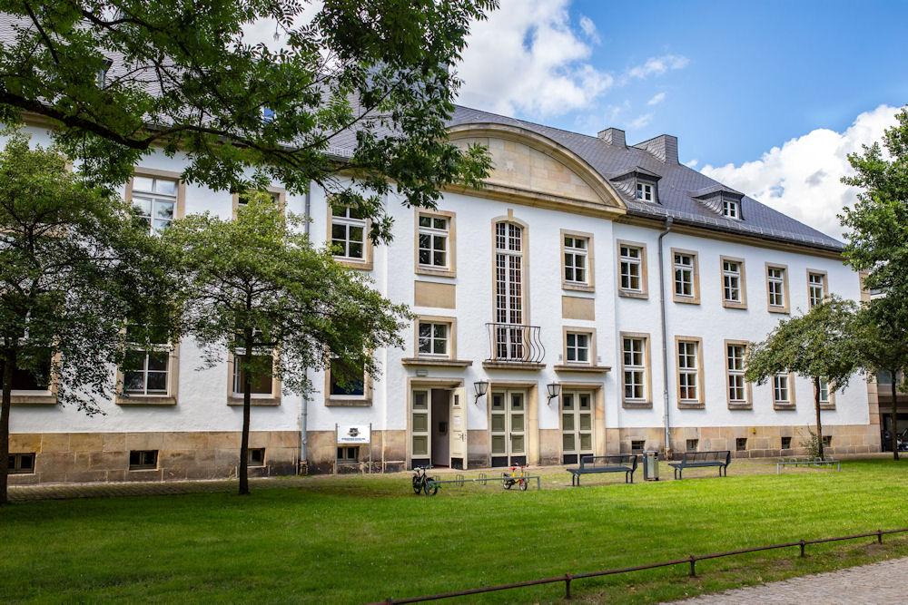 Standort Schloß Neuhaus